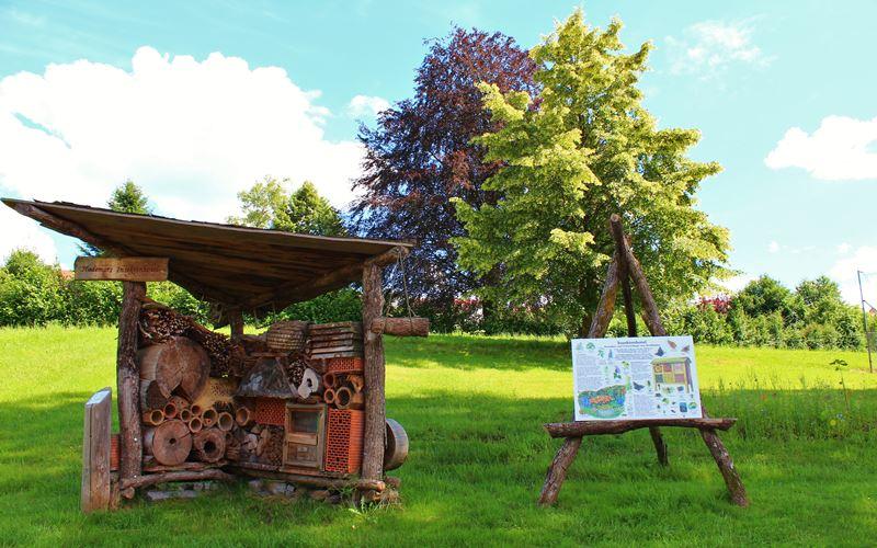 Insektenhotel Hademarpfad Freizeitangebot Oberharmersbach Hubhof